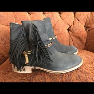 Matisse Black Leather Booties